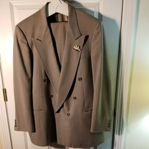 Pierre Cardin Mens Double Breasted Suit Size 40R.